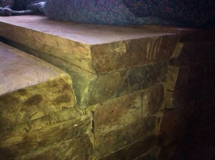 5月20日到料场老挝大红酸枝板材40吨老料