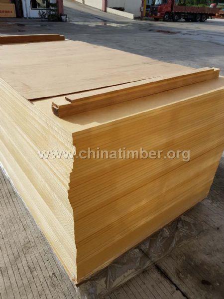 松木中纤板