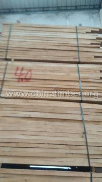 大量批发橡胶木自然板 橡胶木实木板材 橡胶木餐桌椅
