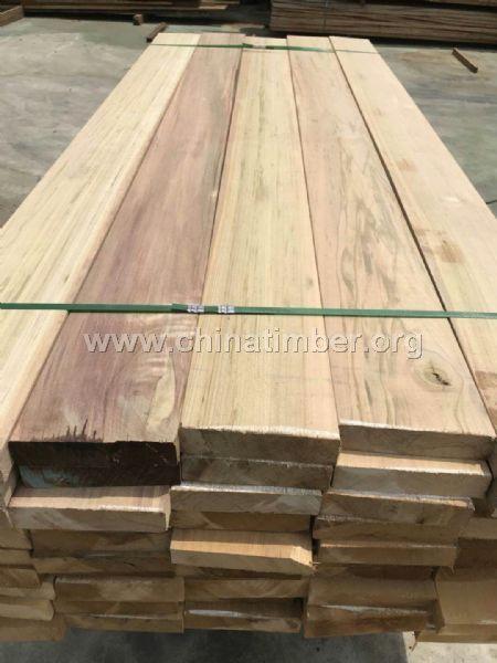 巴劳木厂家定做任意规格户外地板价格