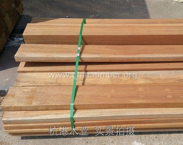 红梢木原木门、红梢木护墙板