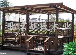 碳化木花架凉亭