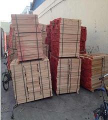 大量进口榉木直边材