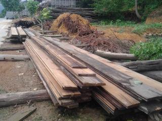 旧松木板 旧木料 旧木材 旧木头 旧木屋料(