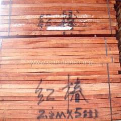 大量红椿木板