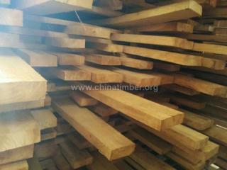 提供国产橡胶木规格料家具材