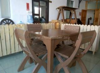 木桌椅一套