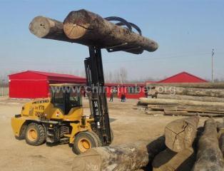 木材越野叉车