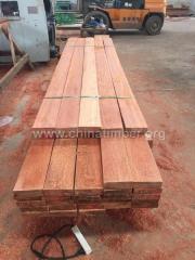 柳桉木板材