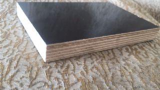 915*1830*12.5㎜黑膜胺胶建筑清水模板