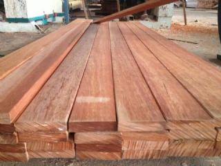 山樟木自然干板材