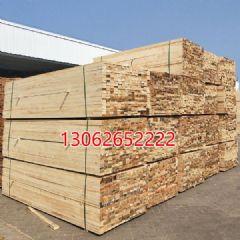 铁杉澳松建筑木方四面抛光建筑木方加工土木工程建筑工