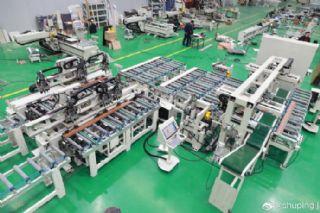 两名工人一天可加工400扇门套――舒平精工智造