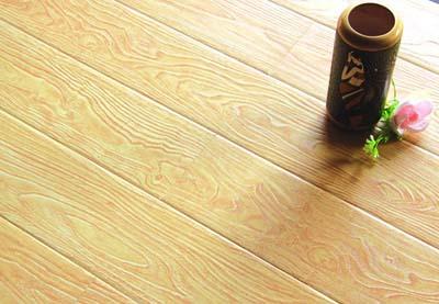 """借助行业新理念:""""手抓纹""""木地板正悄然流行"""