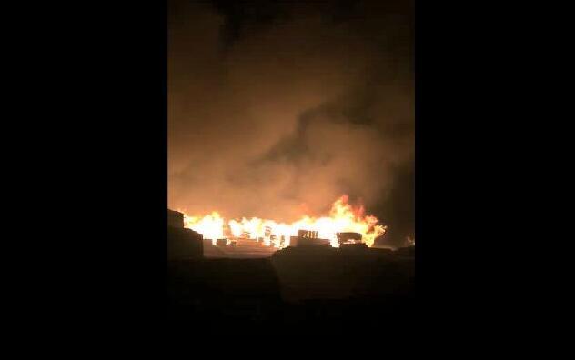 �M洲里木材突�l大火,��χ��木材市�霎a生不可估量的影�