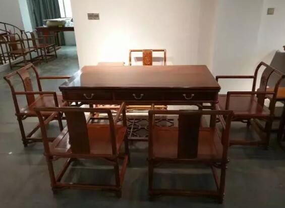 为什么红木家具市场卖素面的家具越来越多了?